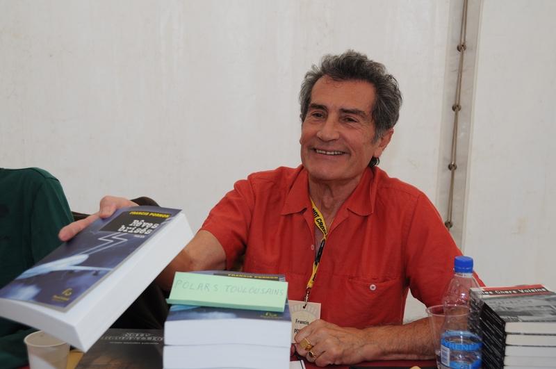Francis Pornon en séance de dédicace, photo Guy Bernot